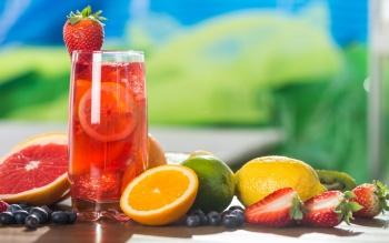 фрукты, ягоды и соки